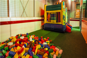Partycentrum Happy Days! - Happy Days | Kidsproof Kop van ...